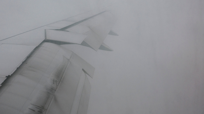 airplane-wing-fog-21
