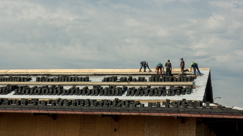 5 roofers