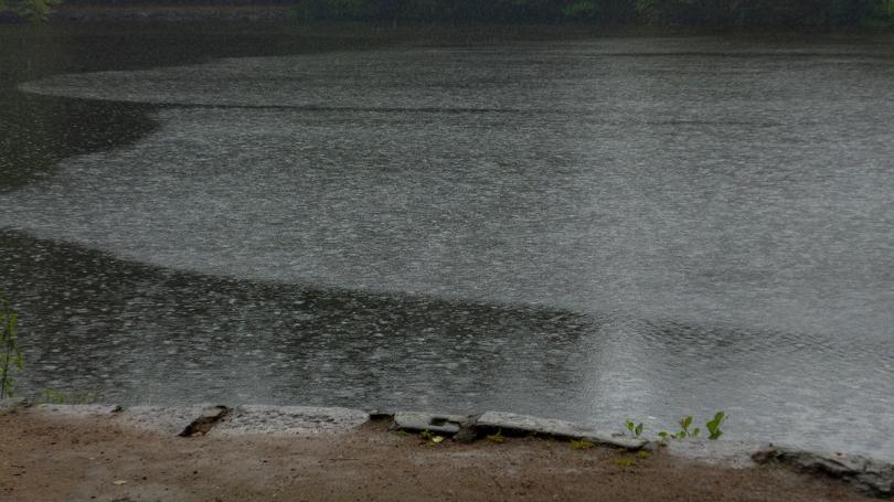 frankfurt lake rainstorm