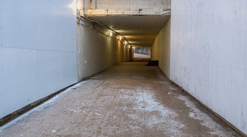 Oak St underpass.jpg
